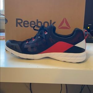 New Men's Reebok sneakers size 10